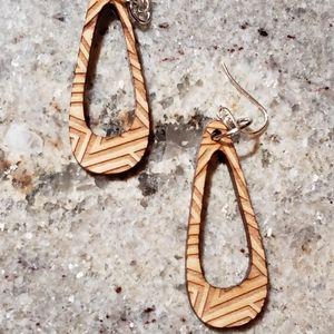 Wood engraved earrings